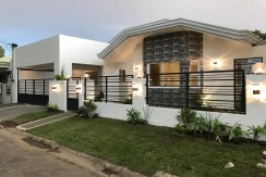 For Sale: Renovated Bungalow in BF Homes Parañaque