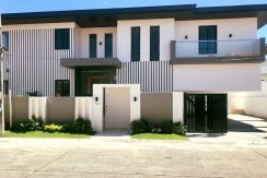 For Sale: Brand New House inBF Homes Paranaque